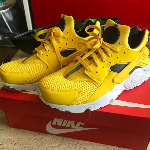 4c8bd3efdb2ce promo code for nike air huarache yellow sneakers 53587 a726b